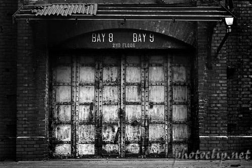 新港埠頭 ::: 赤レンガ倉庫 (1983)