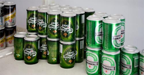 そっかぁ~、ビールの缶は逆さにして置けばいいのか
