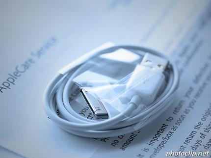 亀裂が入ったiPhoneのUSBケーブルは新品に交換してくれる