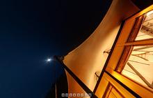 満月の夜のテラス