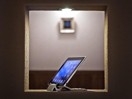 【Skadoosh】iPad用スタンドがアメリカから届いた
