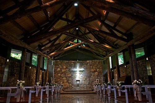 「石彩の教会」