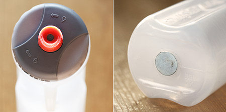 約600mlのボトル、飲み口は回すタイプだが、手が濡れているとチョット回しにくい。底には磁石、この磁石によって磁化されたボトル内のリキッドがアルカリ性になり、細胞への水分吸収性を向上させ、様々な健康的な利点が得られる、、、らしい(^^;