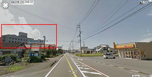 赤枠がホテル、道を挟んで斜め前に「ほっかほっか亭」があるのでカーボに困らない