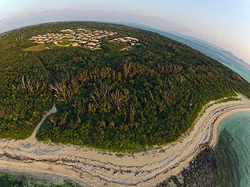 凧って写真 – 「星のや 竹富島」とアイヤル浜