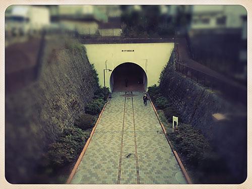 旧東横線、横浜駅~反町駅間の高島山トンネル