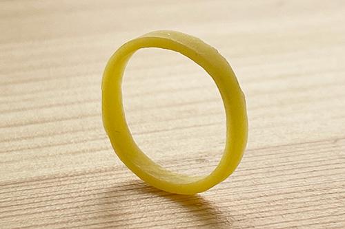 Garminのバンドループがわりに使った輪ゴムは●●を束ねていたやつだったのか