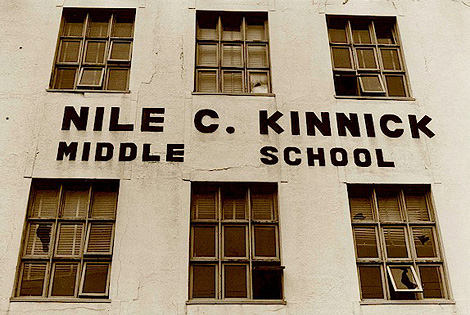 NILE C KINNICK HIGH SCHOOL